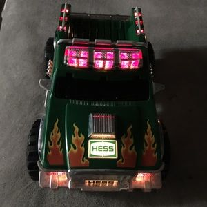 HESS 2007 Light up truck with flames